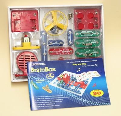 Learning: Science Physics Electricity Circuit Kits - Kt1101-1 - Brain Box Circuit Kit 80 Experiments KT1101-1